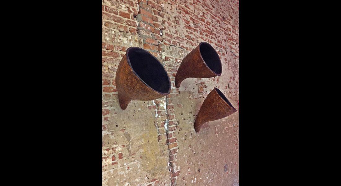 Monique Bastiaans Esculturas 03 Les Murs 02 01